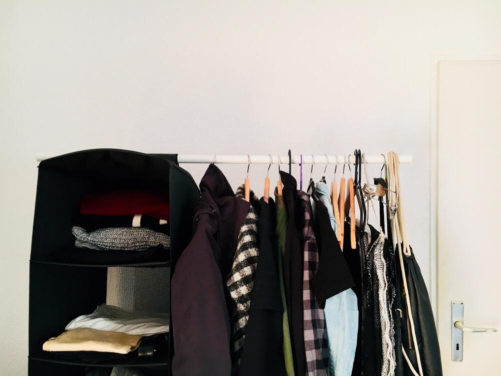 Why Iu0027ll Never Go Back To A U201cnormalu201d Wardrobe: Benefits Of A Minimal  Wardrobe